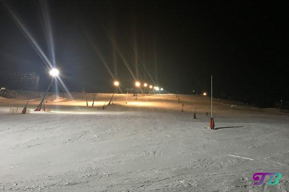 Skifahren Nachtskifahrt Oberwiesenthal Fichtelberg Flutlicht
