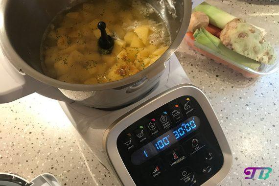 Kartoffelsuppe Prep & Cook Kartoffel kochen