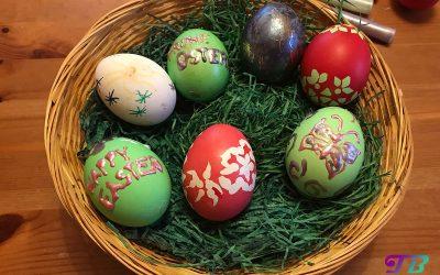 Ostern & bunte Eier – Färbetechniken im Vergleich