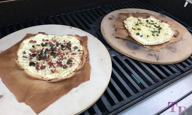 Flammkuchen vom Grill – schnell zubereitet und einfach lecker