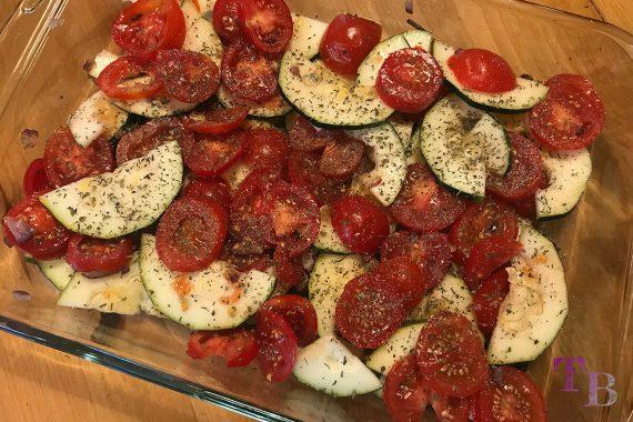 Tomaten Zucchini Auflauf Zutaten würzen Auflaufform