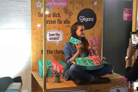 GLOW by dm Station Berlin 2018 Veganz Anne Menden vegan Schokolade