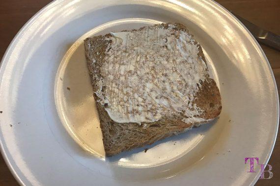 Toast überbacken Butter