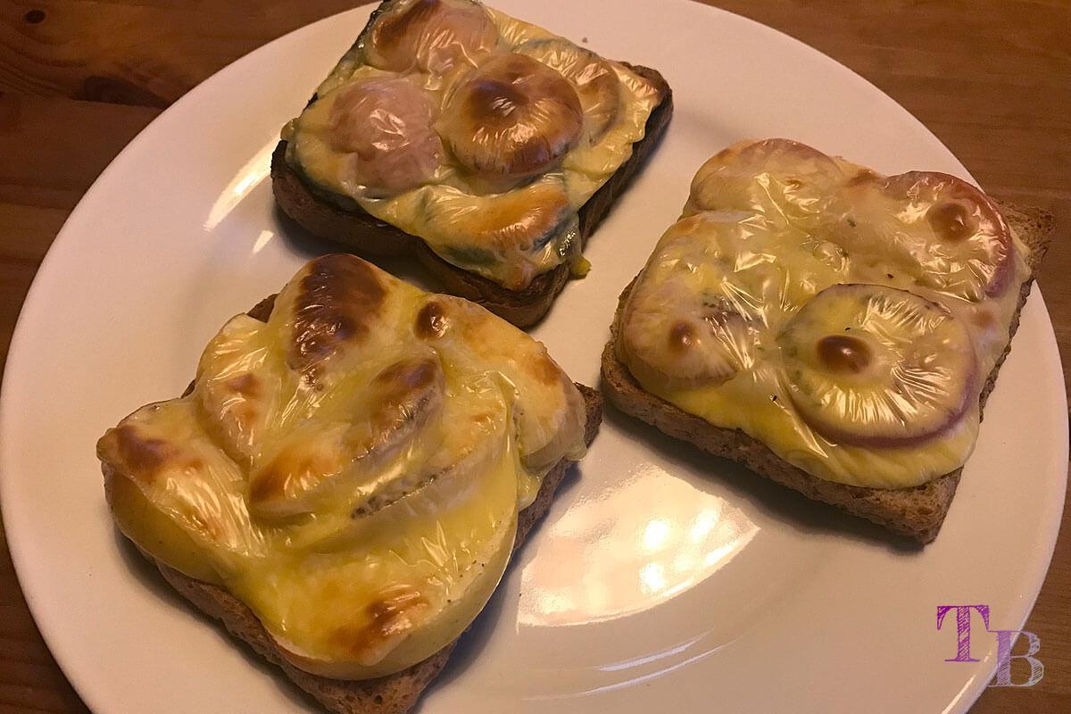 Überbackener Toast – lecker und schnell zum Abendessen gemacht