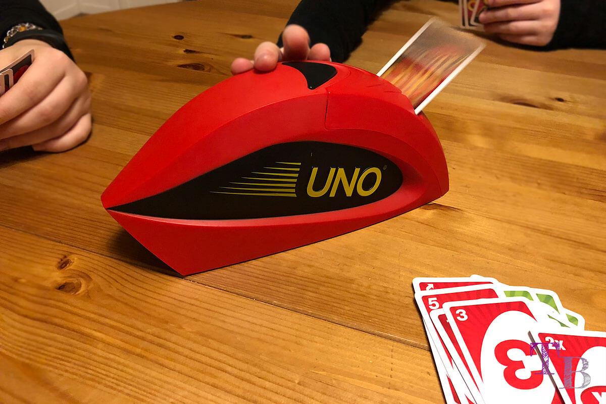 Spiel UNO Extreme – Nervenkitzel pur und Spaß für die ganze Familie