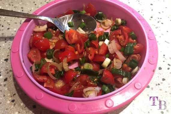 Blätterteig Tomate Frischkäse Frühlingszwiebel Kräuter Mischung