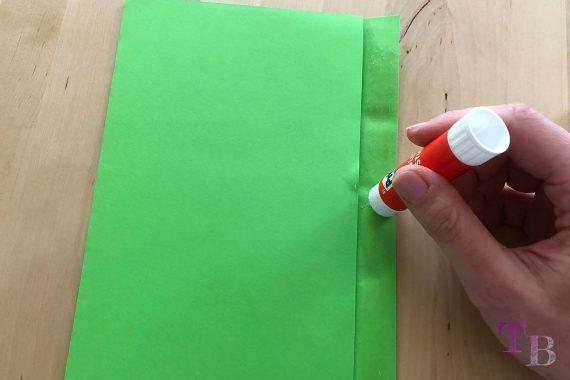 DIY Papiertüte DIN A4 Blatt Rand kleben