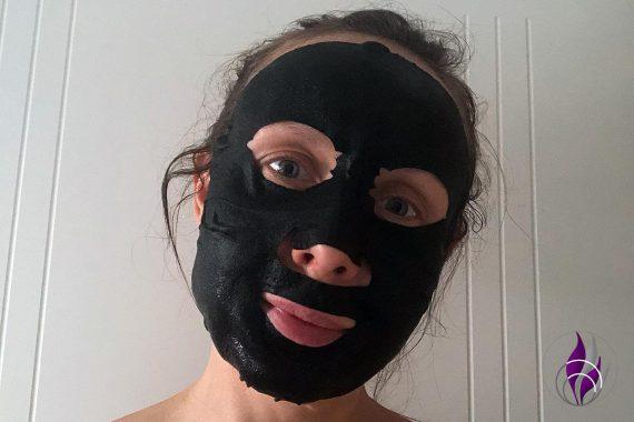 schwarze Tuchmaske Anwendung