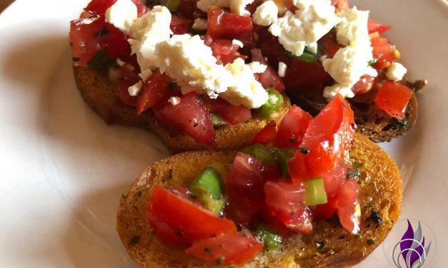 Bruschetta – Zubereitung aus trockenen Brötchen und Brot