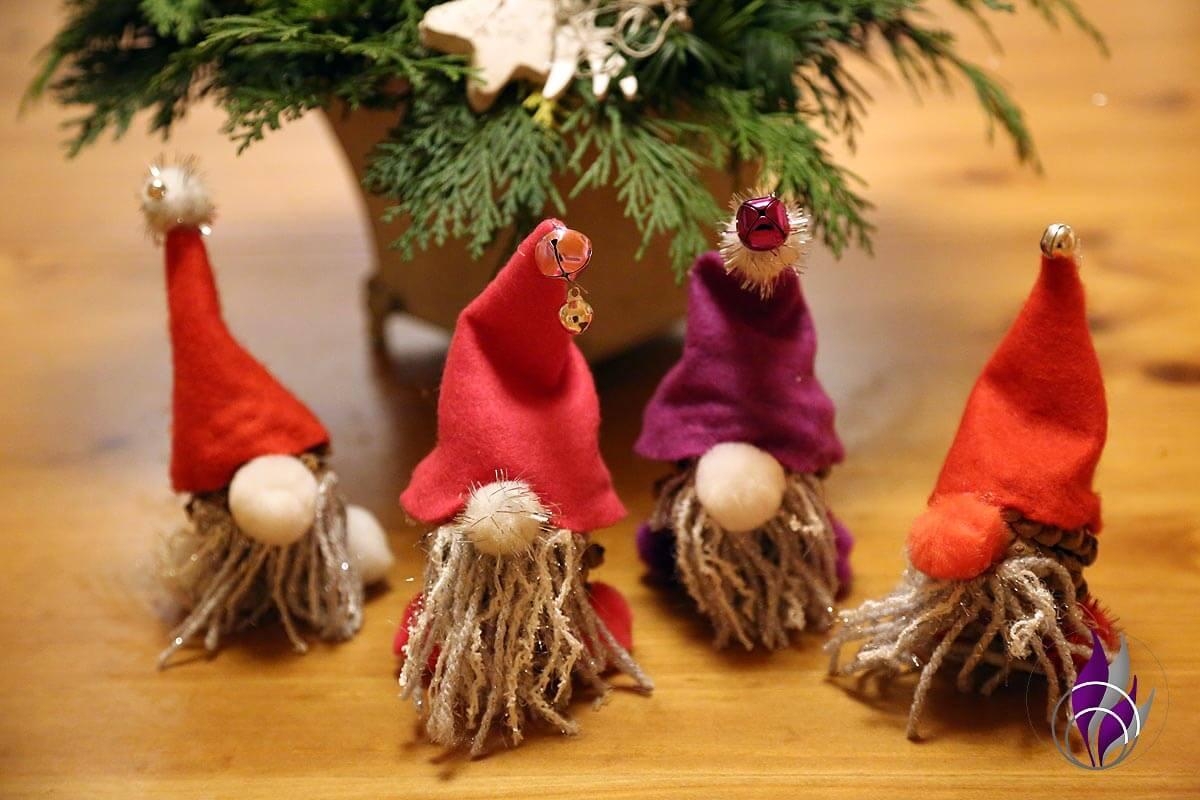 Zapfen-Wichtel DIY Weihnachten