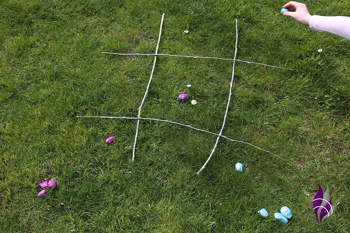 fun4family DIY Outdoor Tic Tac Toe spielen