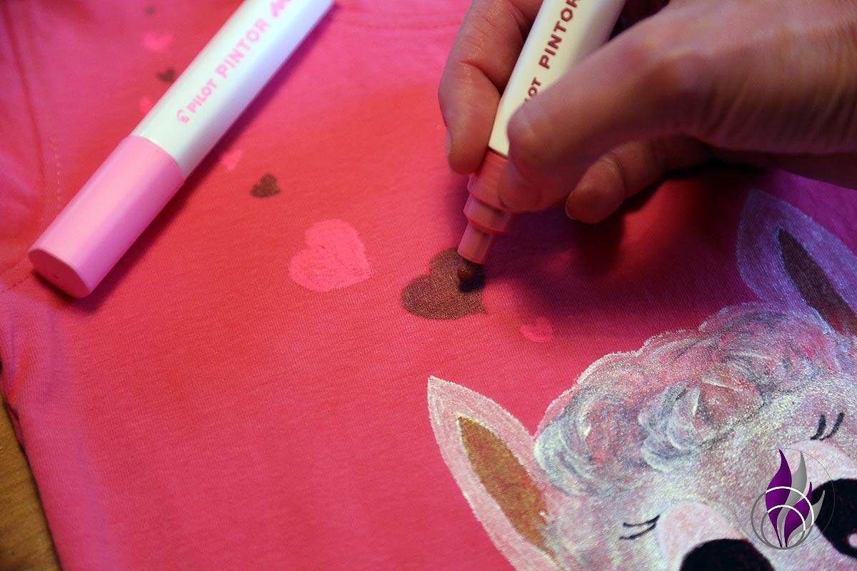 fun4family Alpaka-Shirt Herzen zeichnen