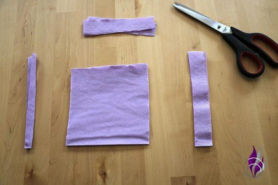 fun4family Pompon Rose Serviette schneiden