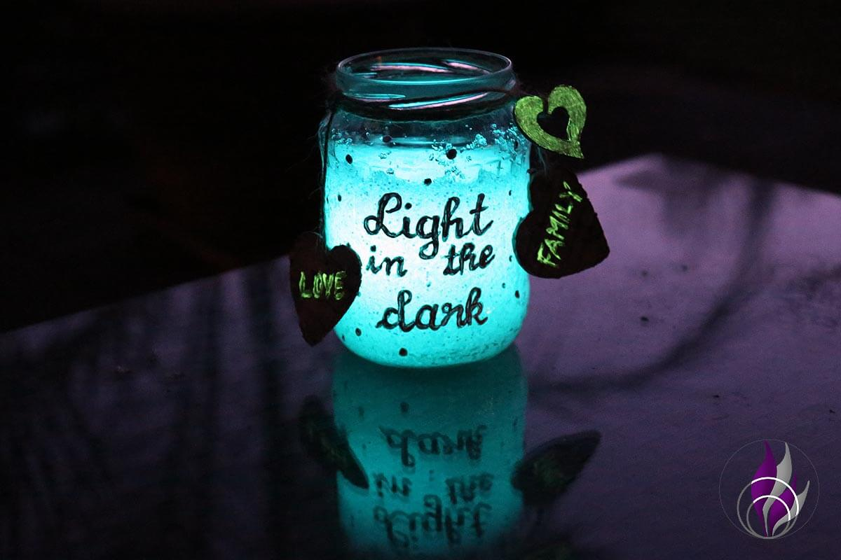 "<span class=""sponsored_text""> Sponsored Post</span> DIY Dekoglas mit Lichtspeicher-Granulat als Outdoor Beleuchtung"