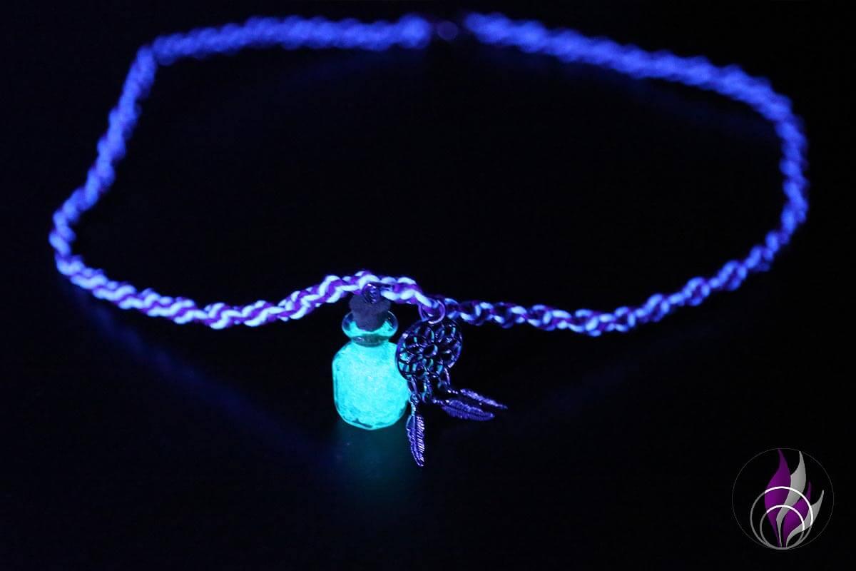 DIY Halskette mit Leuchtanhänger basteln