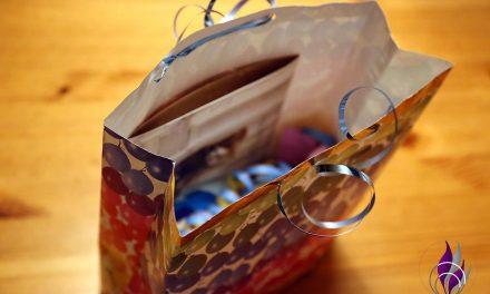 Geschenktüte basteln – individuelle Papiertüte passend für dein Geschenk