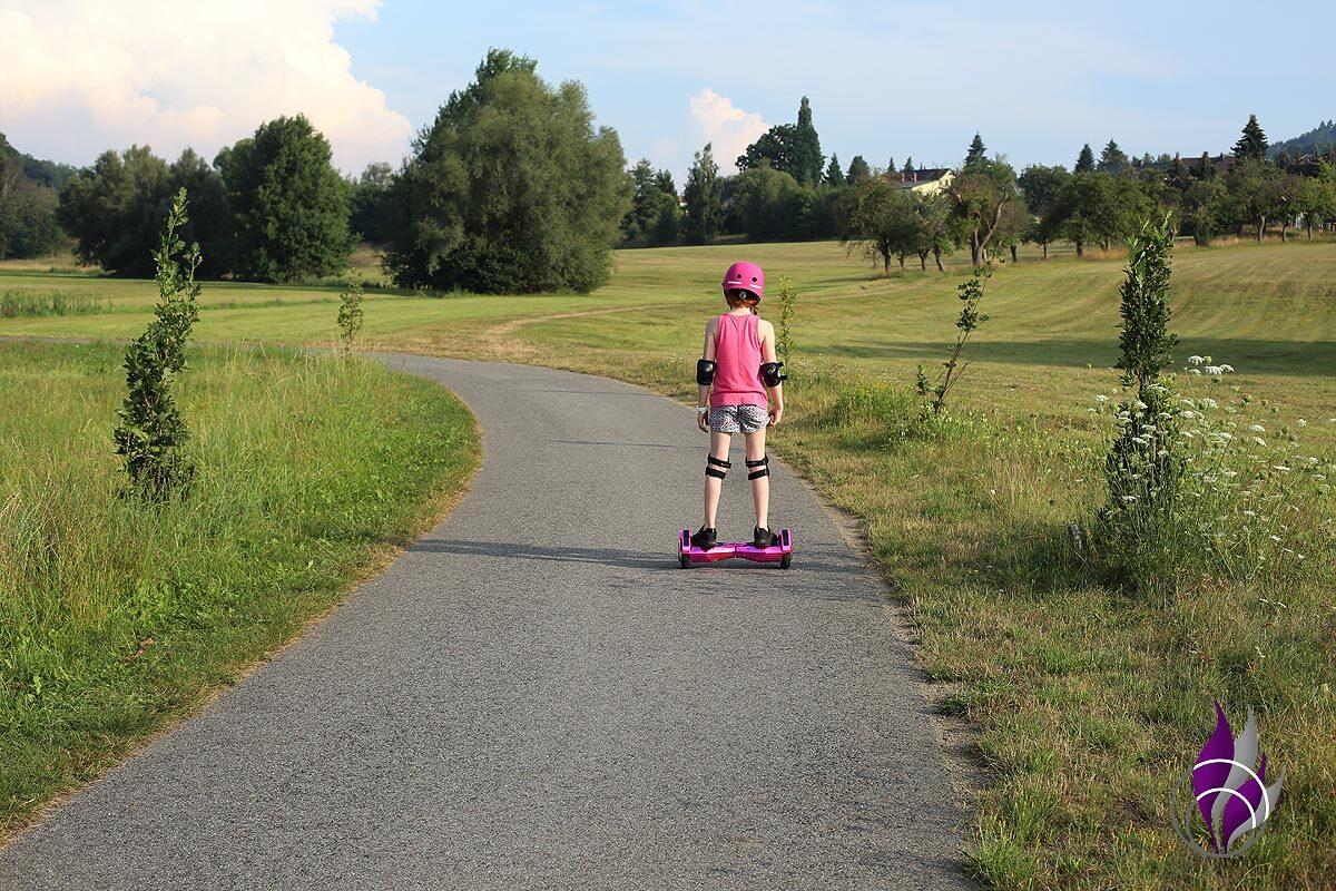 fun4family Hoverboard ROBWAY W2 fahren Schutzkleidung