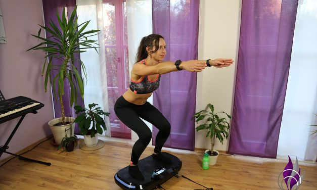"<span class=""sponsored_text""> Sponsored Post</span> Homeworkout Vibrotraining: Kniebeuge mit 4D Vibrationsplatte"