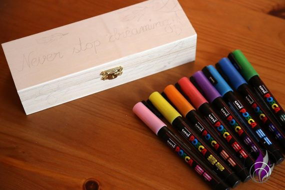 fun4family POSCA Marker Glitter Holzkiste