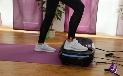Workout Vibrotraining: V-Step auf der 4D Vibrationsplatte