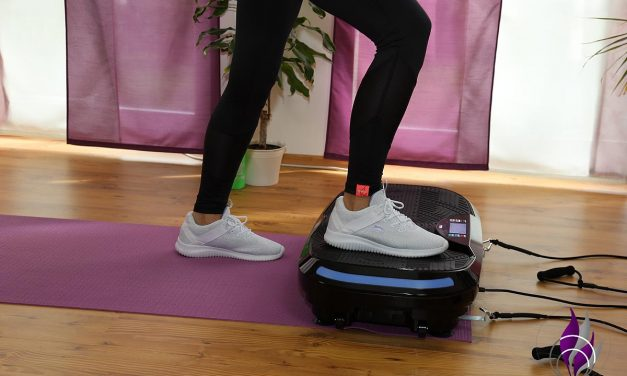 Workout Vibrotraining: V-Step auf der 4D Vibrationsplatte
