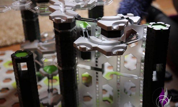 GraviTrax Pro Vertical – Die Kugelbahn geht vertikal in die zweite Runde