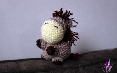 Wollowbies – kleine Häkelfiguren als treue Wegbegleiter