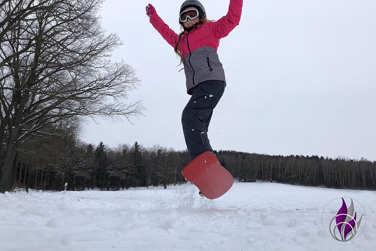 DIY Snowboard – Upcycling Skateboard für Snowboard Fahrversuche