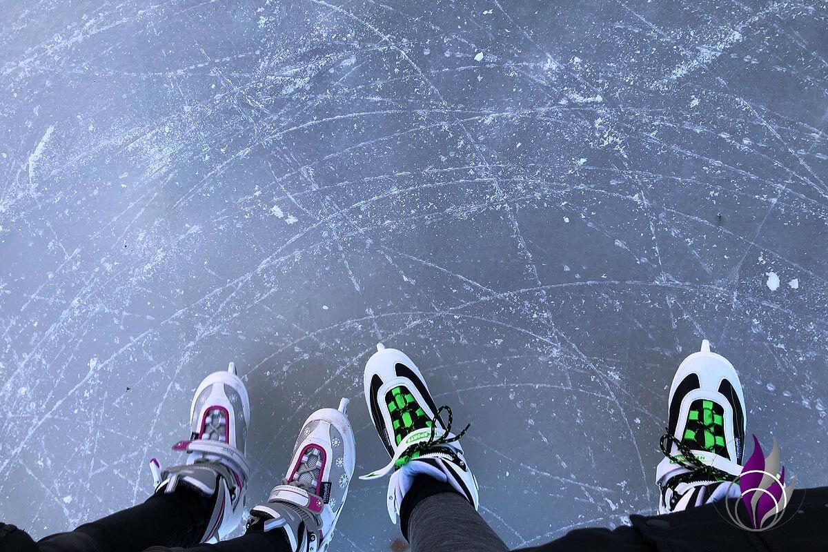 fun4family Winter Wonderland Schlittschuhlaufen Eislaufen Wintersport