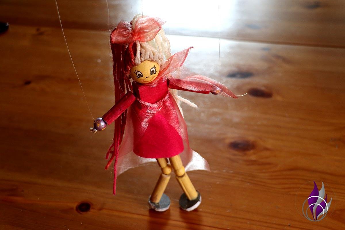fun4family Wooddoll Holzpuppe Marionette fertig