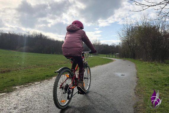 Bewegungs-Challenge Schule Fahrrad fahren 4