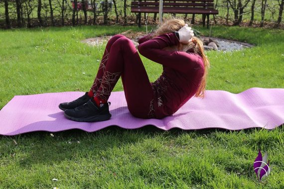 Bewegungs-Challenge Schule Workout Situps