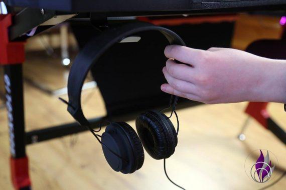 Elite Gaming-Schreibtisch Headset Halterung griffbereit